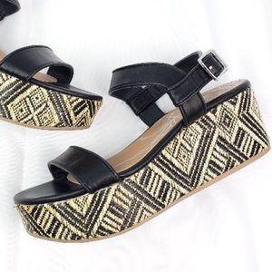 Dolce Vita Brynn | Platform Sandals